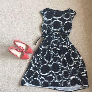 Alfani black and white dress size small